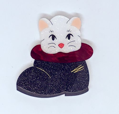 Mrs Claus' Cat brooch