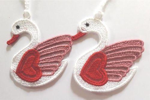 Following Swans Valentine decoration
